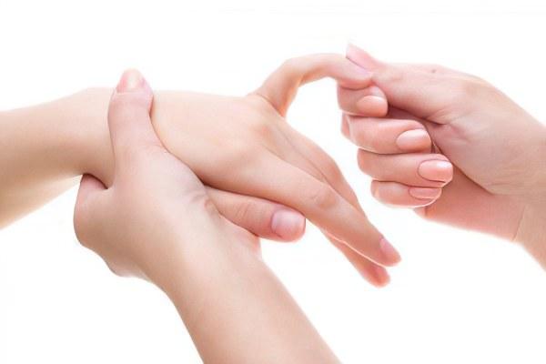болит сустав кисти руки