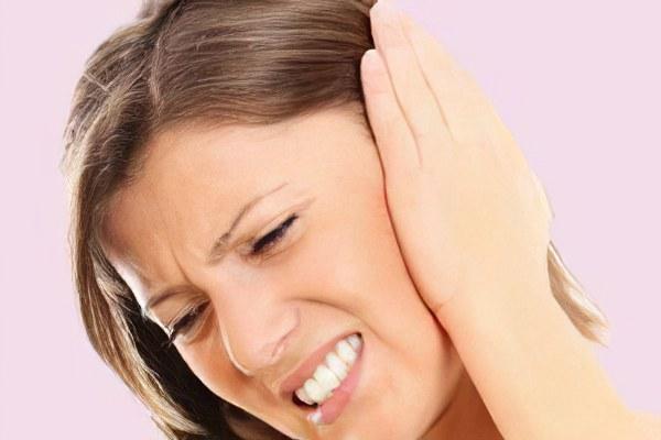 Может от зуба звенеть в ушах