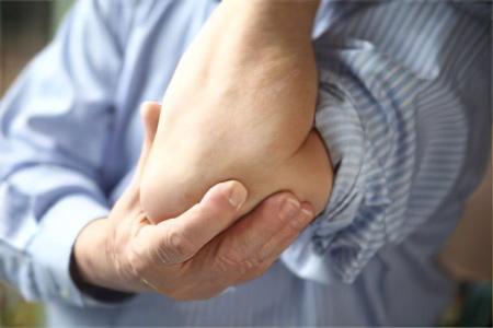 Избавление пациента от боли в локтевом суставе