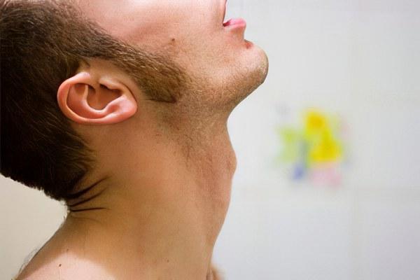 Грибок в горле – причины, симптомы и лечение