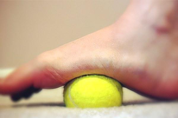 Отеки ног и жжение под щиколоткой - Kleo ru