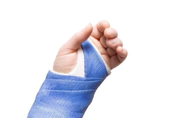 Смещение сустава кисти после перелома как разработать голеностопный сустав после перелома