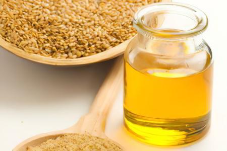 Помогает ли мед от запора: рецепты и рекомендации по употреблению, обзор разных народных средств и правила приема, полезные свойства и противопоказания