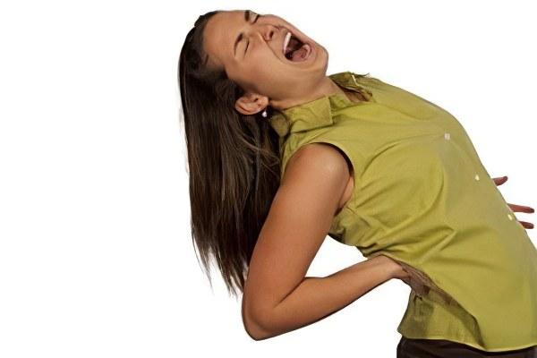 Острая и резкая боль в спине – 20 причин появления