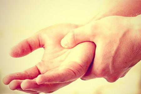 Что делать если отекают руки