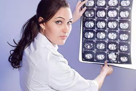 cyste i hjernen symptomer