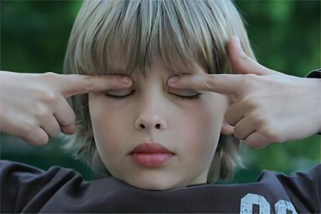 Близорукость у детей – причины, симптомы и лечение близорукости у детей