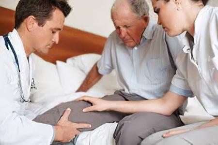 Как восстановить речь после инсульта, причины афазии и