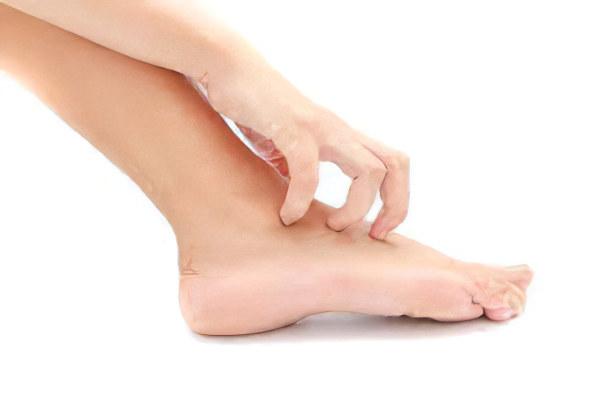 Жировик на ноге – причины, симптомы и лечение