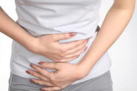 Болит бок слева под ребрами
