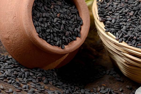 Польза и вред кунжутного семени, как принимать с учетом противопоказаний