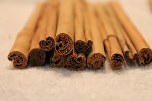 Цейлонская корица (Cinnamomum zeylanicum)