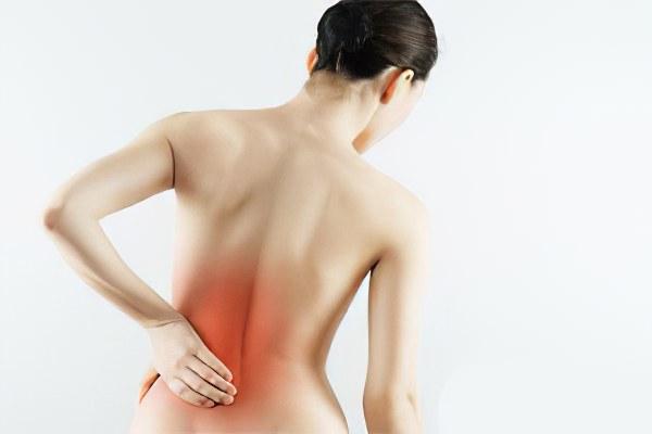 Боль слева отдающая в ногу и спину
