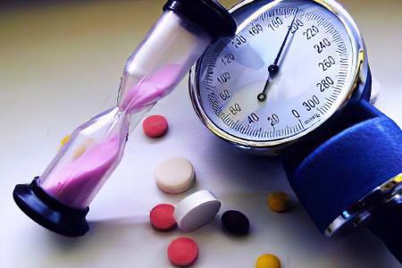 Перечислите причины повышения артериального давления у человека
