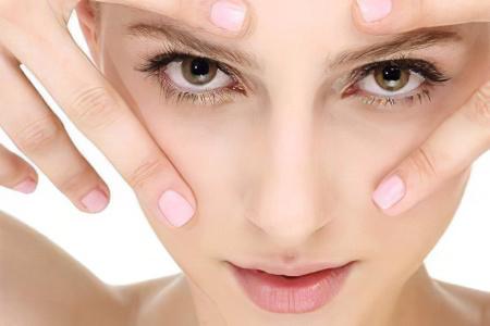 Почему появляются синяки под глазами? Причины появления