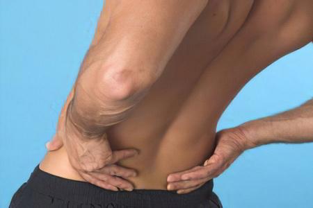 Защемление нерва – причины, симптомы и лечение
